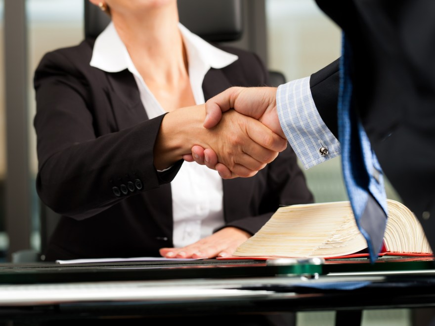 How To Save Money When Hiring A Personal Injury Lawye
