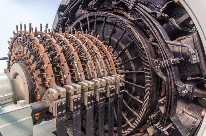 Elektrischer Generator im Museo de Carris, Lissabon, Juli 2017