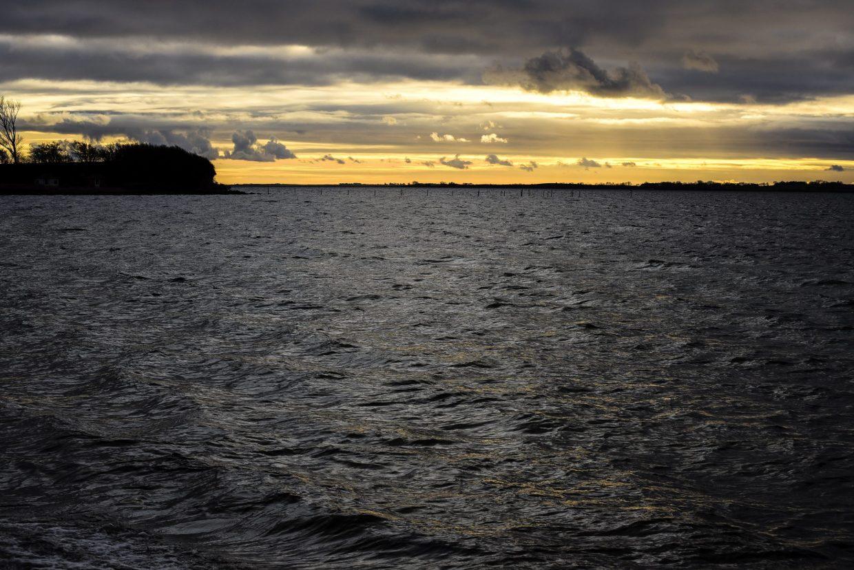Abends am Wasser bei Fåborg (Foto: Andreas Lerg)