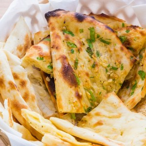 Mixed Naan Basket (4 naans)