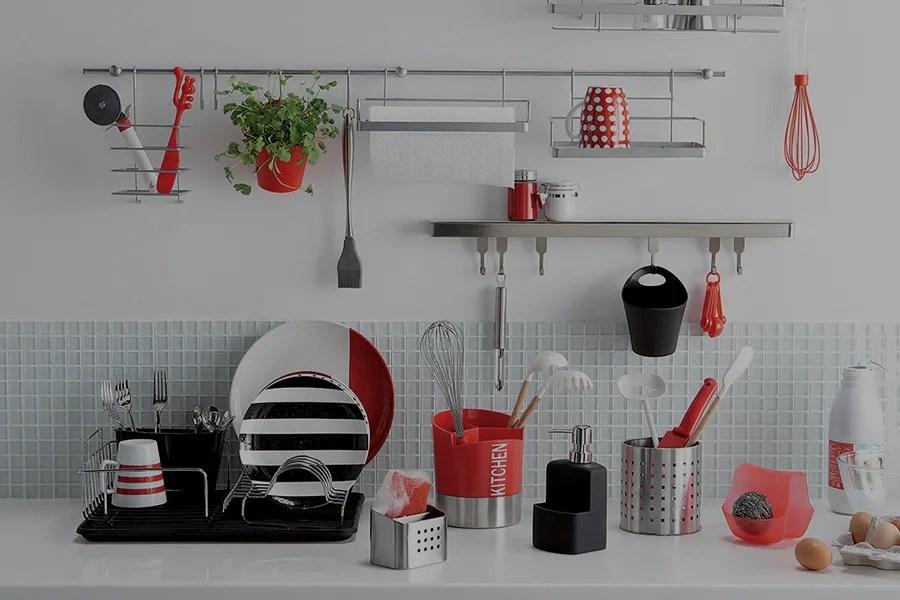 Per usare al cm gli spazi in cucina ti aiutano questi oggetti furbi, che si nascondono all'interno di basi e pensili o si mostrano a parete. Come Organizzare La Cucina Idee E Consigli Leroy Merlin