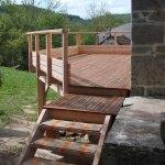 terrasse et escalier en bois construits par les Charpentiers montbardois à Montbard