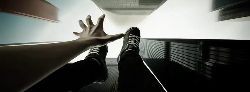 je tombe -Photo de couverture journal Facebook