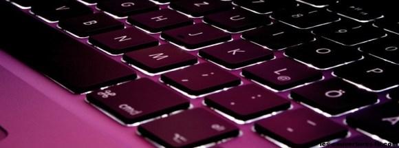 clavier violet -Photo de couverture journal Facebook