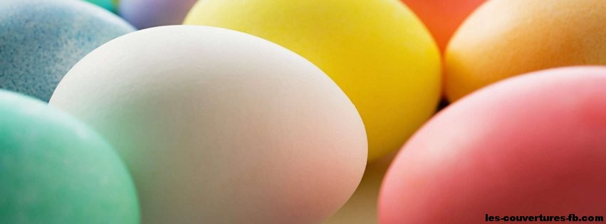 oeufs colorés de Pâques -photo de couverture journal facebook
