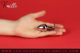 Kmille teste le bijou anal taille small, de Bondage LeGastronomeSexy.