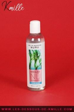 Test d'un gel de massage japonais Nuru à base d'ingrédient naturel, de la marque Mixgliss.