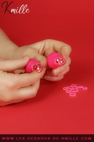 Kmille teste le kit de pompes à tétons Nipple Pump Set, de EasyToys.