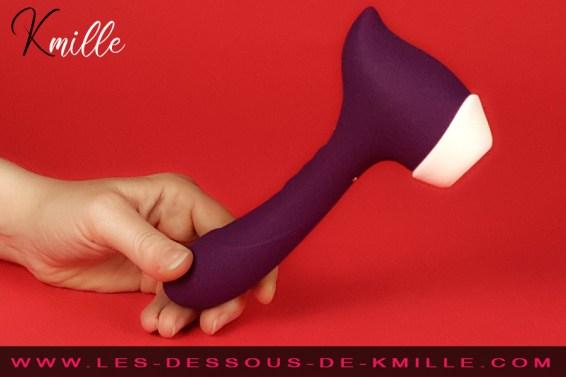 Kmille teste le vibromasseur stimulateur de clitoris The Amazing, de Goliate.