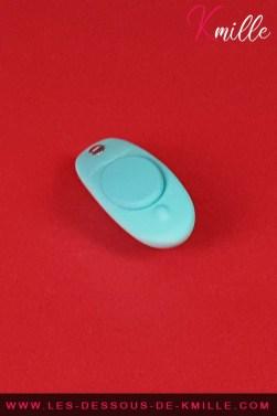 Kmille teste le stimulateur clitoridien Moxie, de la marque We-Vibe.