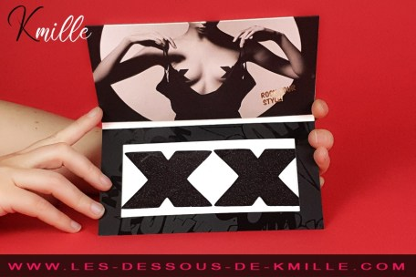 Présentation des nippies autocollants pailletés, de la marque Bijoux Indiscrets.