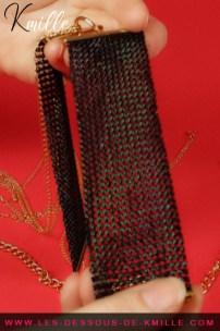 Présentation d'un ornement métallique pour le corps, de la marque Bijoux Indiscrets.