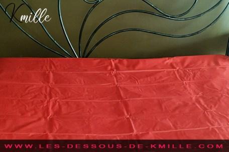 Kmille teste le drap étanche Scandal Super Sheet, de Calexotics.