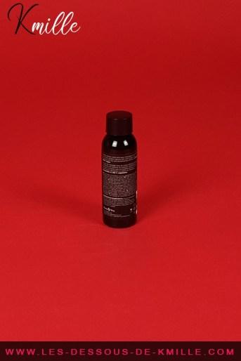 Test d'un produit de massage respectueux de l'environnement, de la marque Earthly Body.