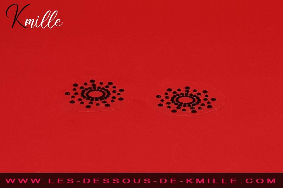 Kmille présente les bijoux de seins autoadhésifs, de Be Fetish.