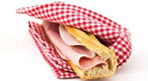 Si on trouve du pain ici, la vraie bonne baguette croustillante est toujours absente. Et le jambon n'en parlons pas...
