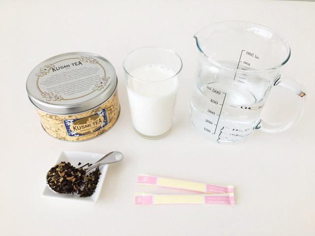 クスミティーのカシミールチャイの茶葉と砂糖、ミルク、水,KUSMI TEA,KASHMIR TCHAÏ,