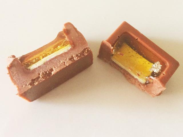 ショコラベルアメール京都別邸,瑞穂のしずく,チョコレートをカットした断面図の拡大写真