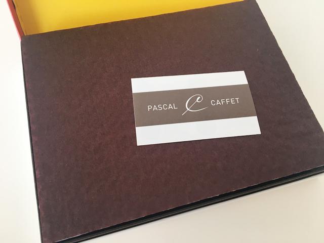 パスカル カフェ,パスカルセレクション,12個入,箱を開けた状態,ペーパークッションが入っている,バレンタインチョコレート,Pascal Caffet,Pascal Selection,Valentine,