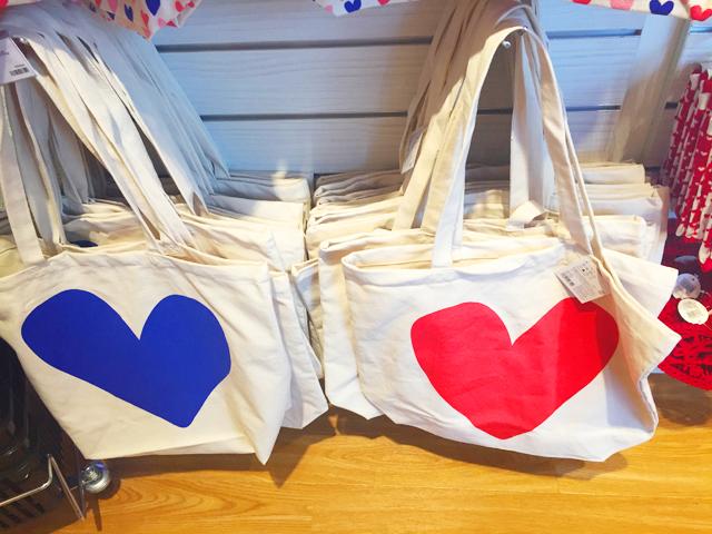 フライングターガー,バレンタイン,両面に青と赤の大きなハートが描かれたトートバッグ