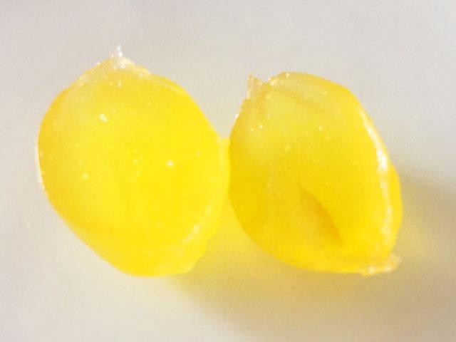 コロロ,レモン,2つに割った状態