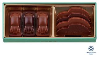 ビートル,プチビートル(グリーン)の中身,ミニチュアサイズのビートル型と、ビートルシルエットのプレート型チョコレートが7個入ったアソート,バレンタイン,2021,チョコレート,Beetle,Valentine,chocolate,