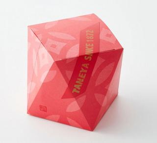 たねや,ちょこまん4個入の箱,赤い多角形のパッケージ,箱寸=9.9×9.9×8cm,バレンタイン,2021,チョコレート,Valentine,chocolate,