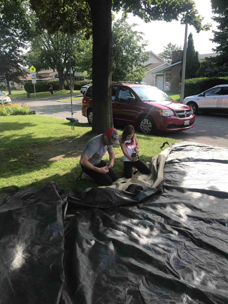 Réparation de la bâche de la piscine