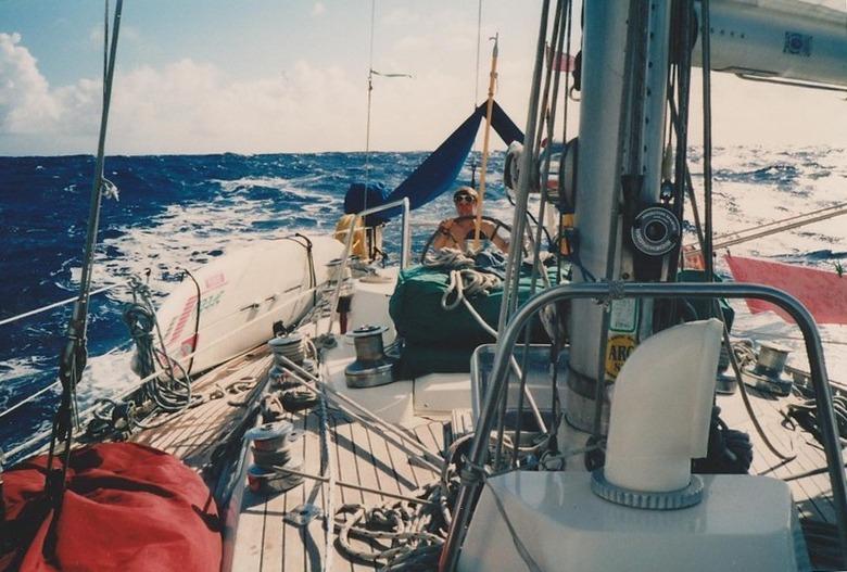 traverser sur un voilier bien équipé
