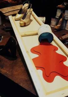 pots-de-peinture-et-toile-à-peindre