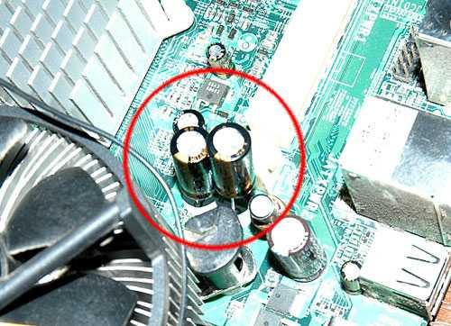 Соблюдайте полярность. На конденсаторах обычно маркируют ...