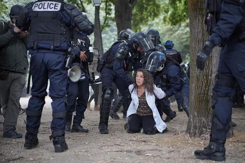 SANTÉ LIBRE. Des collectifs de médecins français se révoltent…enfin!
