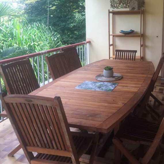 gite-montana-terrasse-grande-table