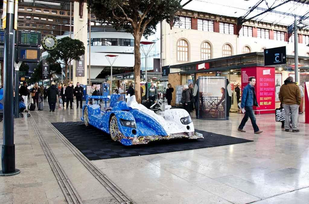 Alpine A450 Art Car Ghass Gare Marseilles 3 | A la rencontre de l'Alpine A110 X FELIPE PANTONE au Art Paris