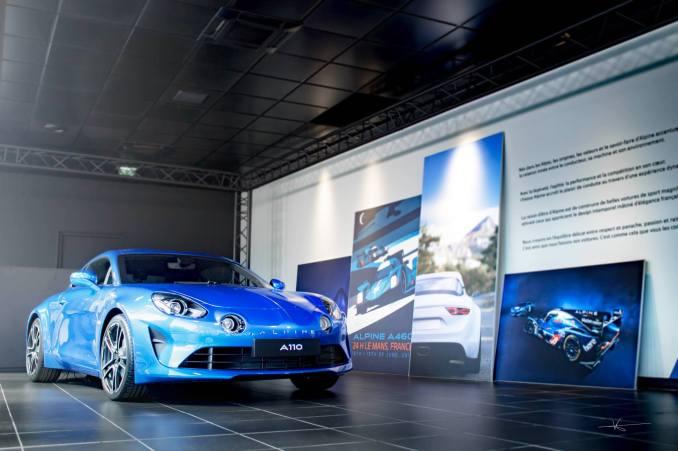 19055285 895525657254301 6079215637582900427 o - Magnus Walker au Studio Alpine, le légendaire collectionneur de Porsche 911