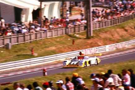 24 Heures du Mans 1978 pironi jabouille depailler jaussaud bell ragnotti frequelin a443 a442b a442a a442 victoire - 17