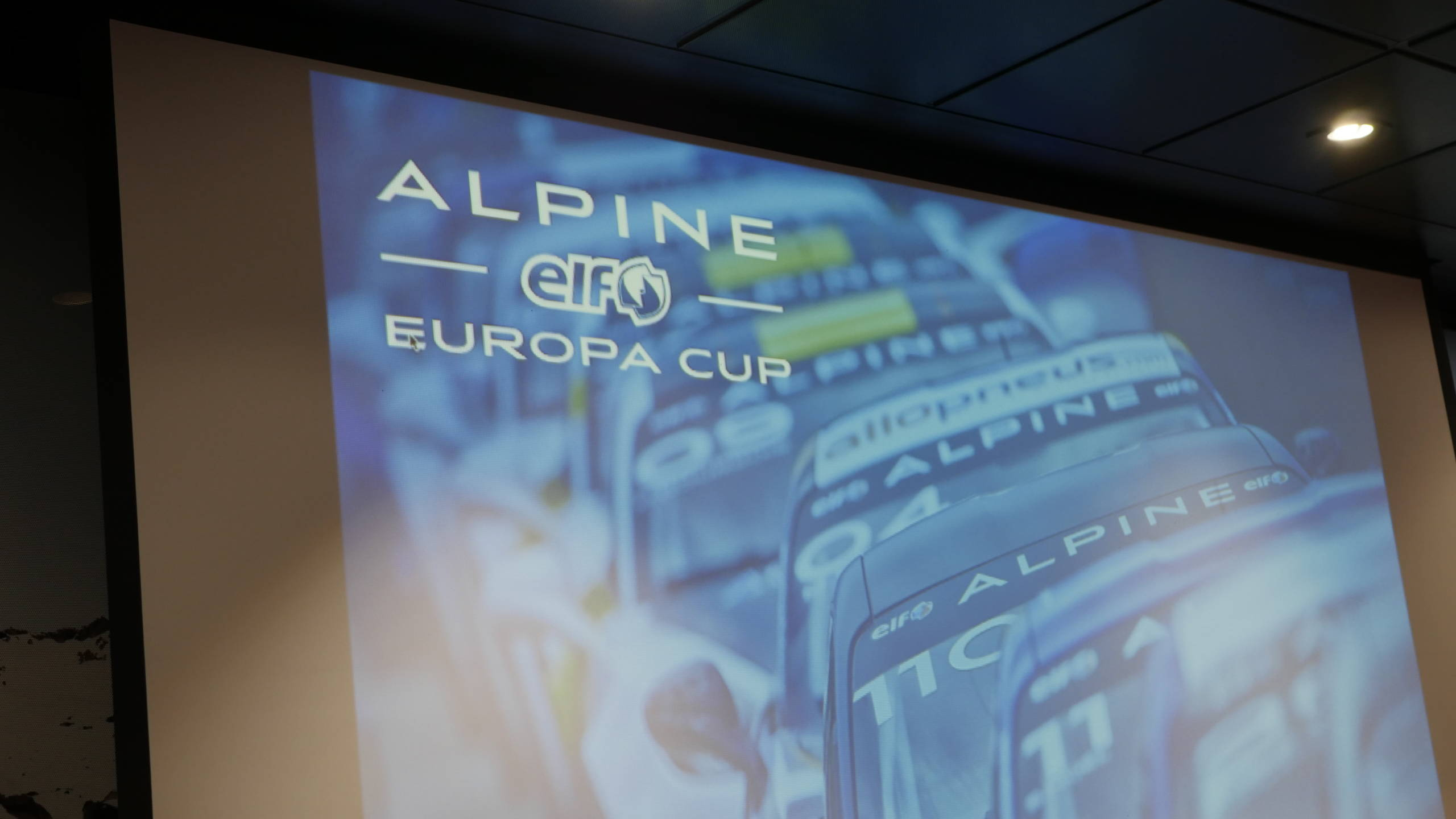 Soirée Alpine Elf Europa Cup 2018 récompense Showroom CMR 18 | Alpine Elf Europa Cup: par ici le programme 2019 !