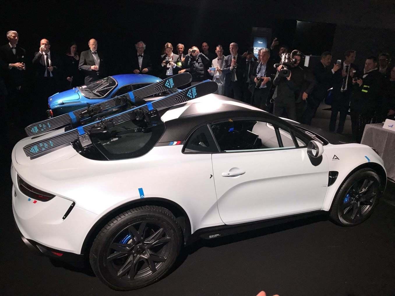 ALPINE a110 sport sx AR   Alpine révèle le concept A110 sports X au Festival Automobile International