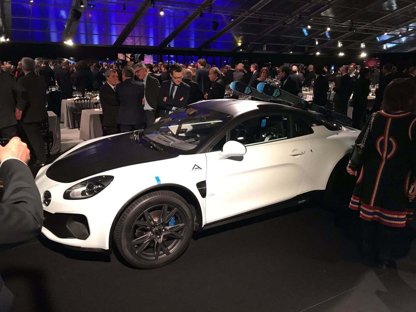 ALPINE a110 sport sx AV   Alpine révèle le concept A110 sports X au Festival Automobile International