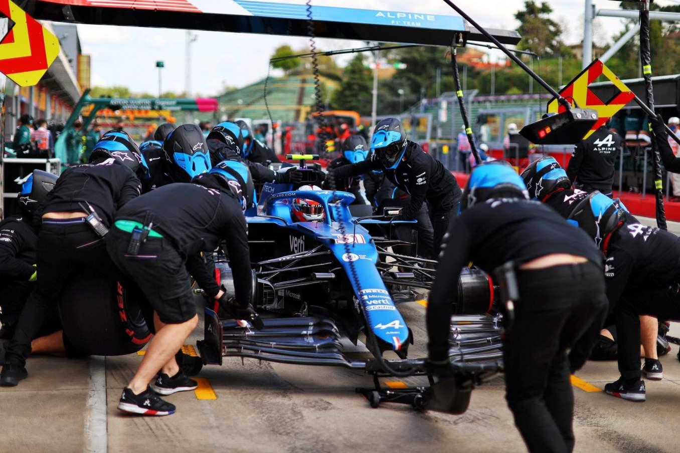 Alpine F1 Team A521 Alonso Ocon Brivio Permane Imola 2021 Test 21 scaled | Alpine F1 Team en milieu de peloton aux essais à Imola