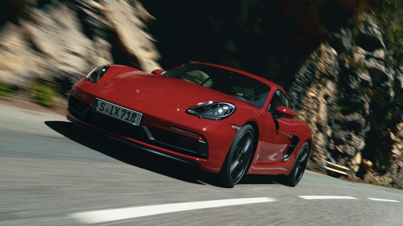 "Porsche 718 Cayman GTS 2021 | Alpine A110 élue ""Coupe of the Year 2021"""