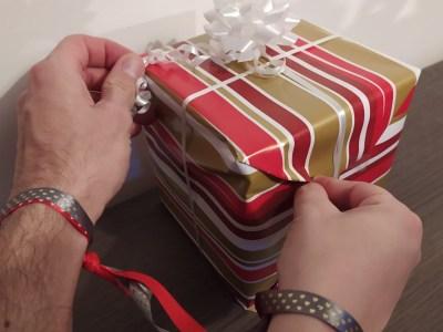Découvrez le jeu du grelot, un jeu coopératif d'habileté idéal pour Noël !