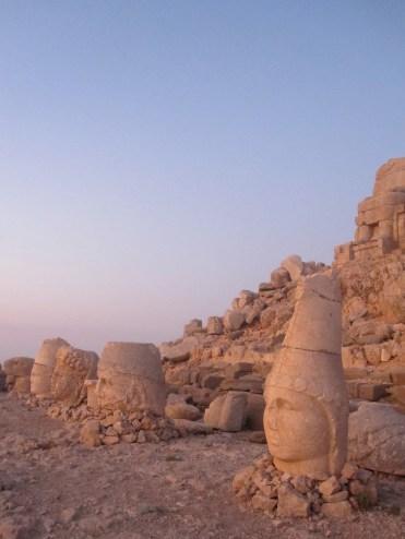 les statues enigmatiques du mont Nemrut