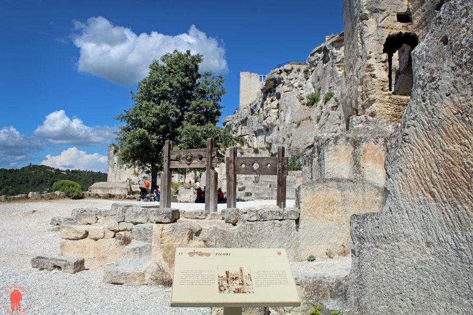 Les baux de Provence - Pilori