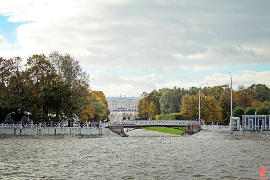 Palais de Peterhof-Embarcadere-arivee