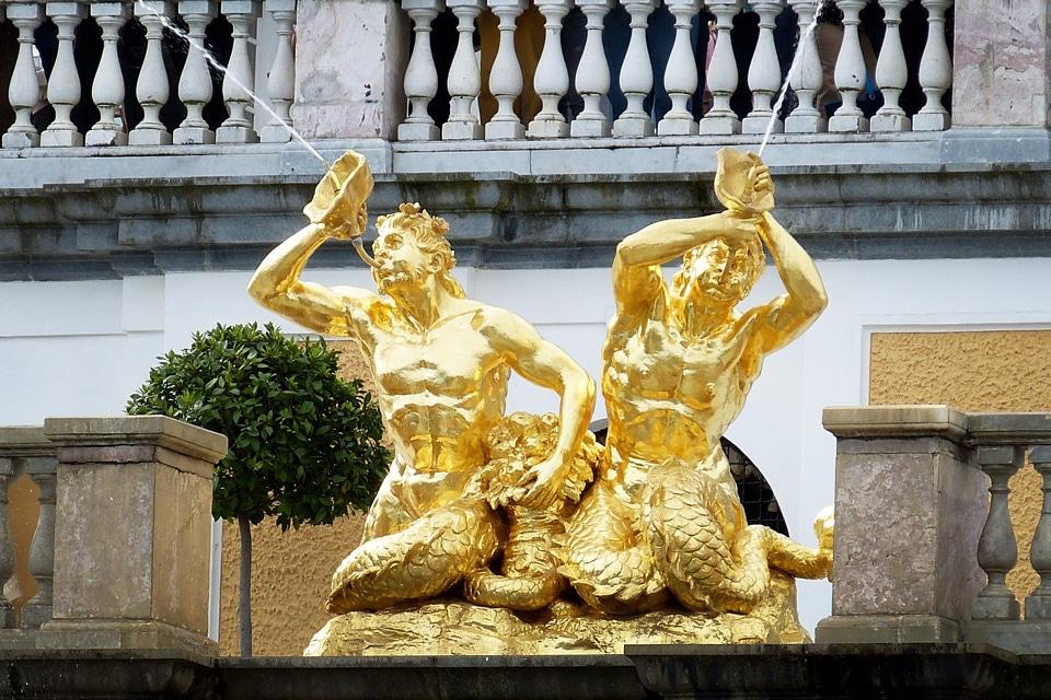 Palais-de-Peterhof-Fontaines-statues_2