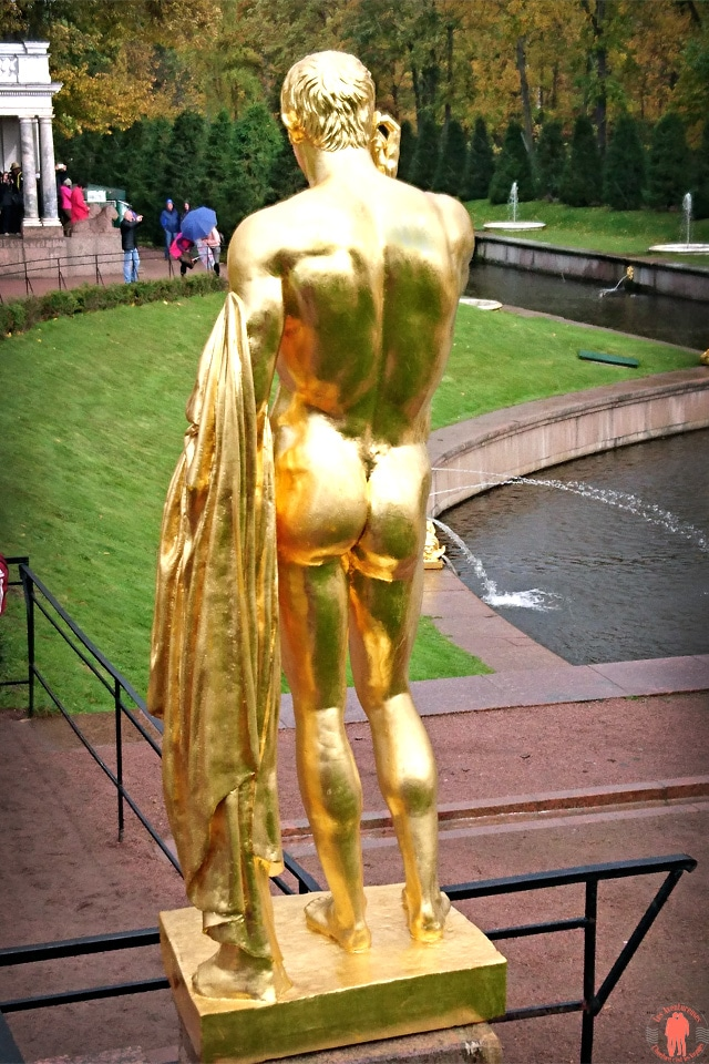 Palais de Peterhof-Statue-Homme-Or-Verso