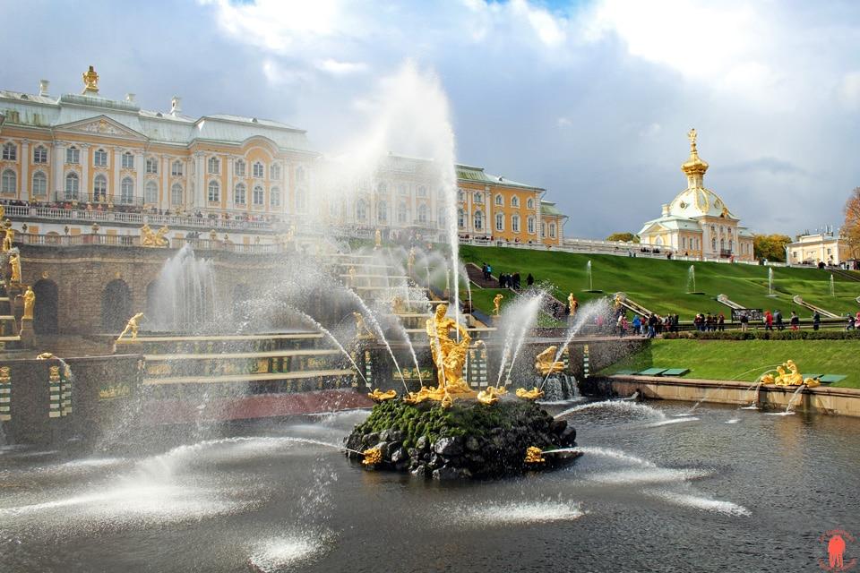 Palais de Peterhof-Statue-Sansom