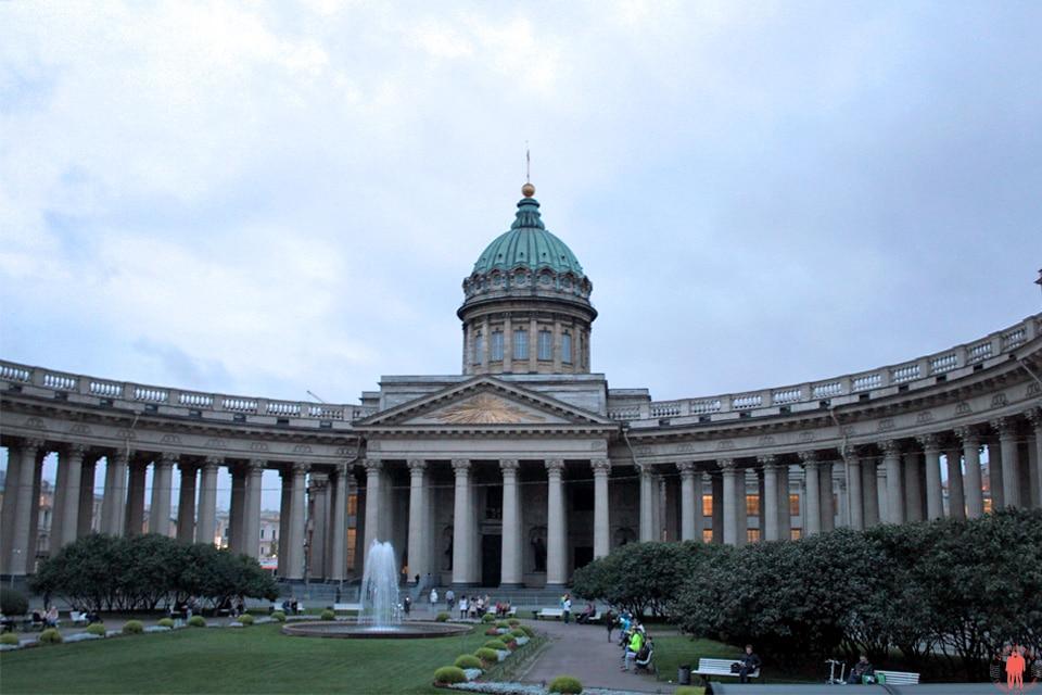 Cathédrale-de-Kazan-Visiter-Saint-Pétersbourg