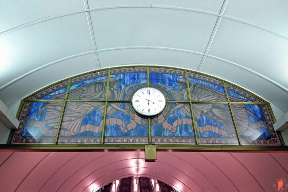 Visiter-Saint-Pétersbourg-métro2